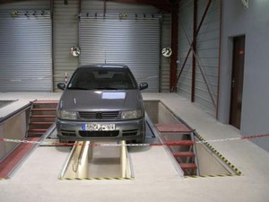 B timent de contr le technique auto par ginko architecture for Garage automobile saint maur des fosses