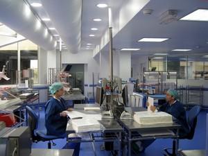 Hopital foch suresnes france st rilisation centrale par for Interieur unite centrale
