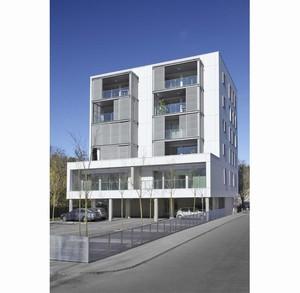 logements bbc dans le lycee leonard de vinci par hellin sebbag d 39 architectures. Black Bedroom Furniture Sets. Home Design Ideas