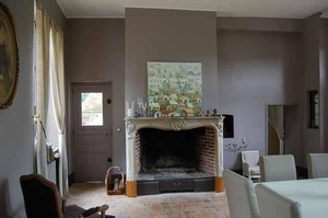 Am nagement d 39 une maison de famille par domaine prive d 39 architectures for Peindre des tomettes