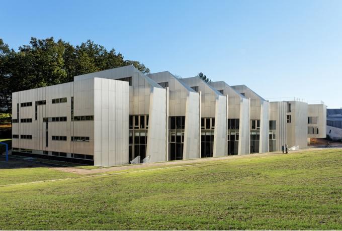 Biblioth que scientifique de l universit de versailles for Architecte des batiments de france versailles