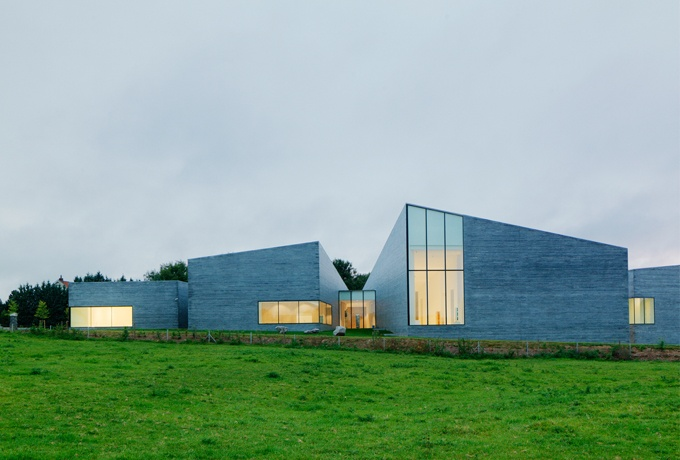 Le MusVerre, W-Architectires (Sars-Poteries, Nord)<br/> Crédit photo : WEINER Cyrille