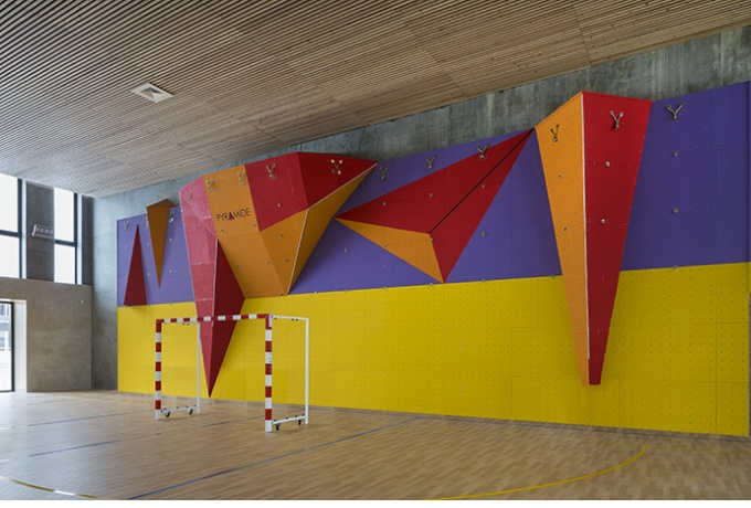 Mur d'escalade, gymnase<br/> Crédit photo : ABBADIE  Hervé