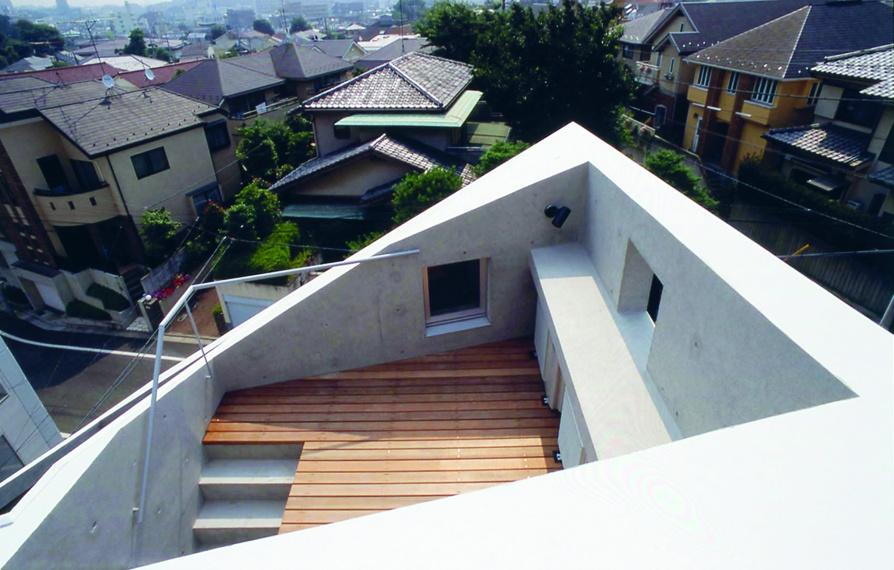 la maison japonaise entre chaos et puret d 39 architectures. Black Bedroom Furniture Sets. Home Design Ideas